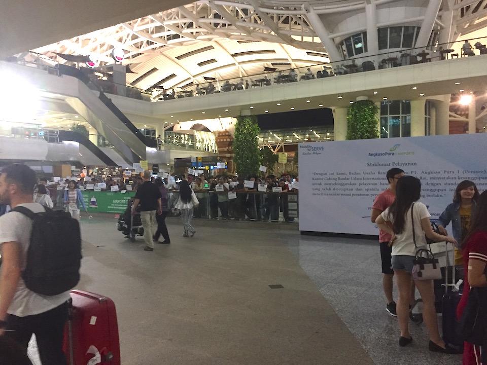 バリ島 デンパサール空港 客引き