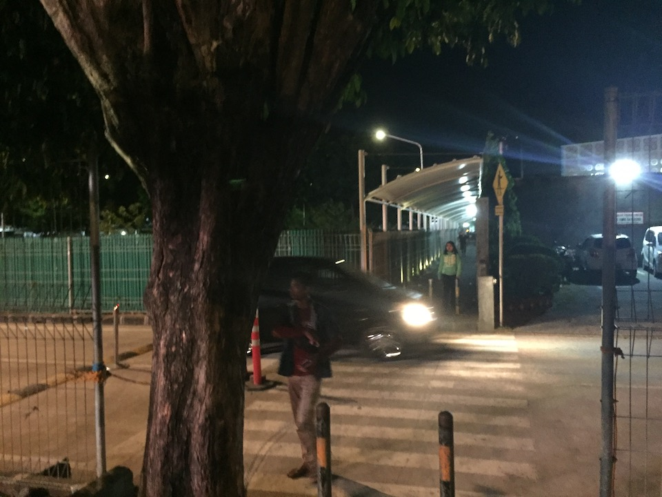 バリ島 デンパサール空港 横断歩道