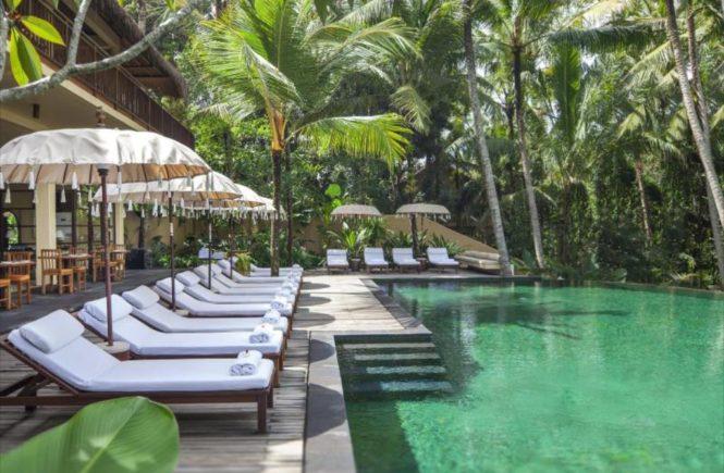 バリ島 ウブド ホテル コマネカ アット ラササヤン