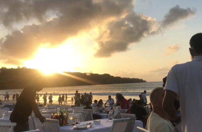 バリ島 グルメ イカンバカール ビーチBBQ