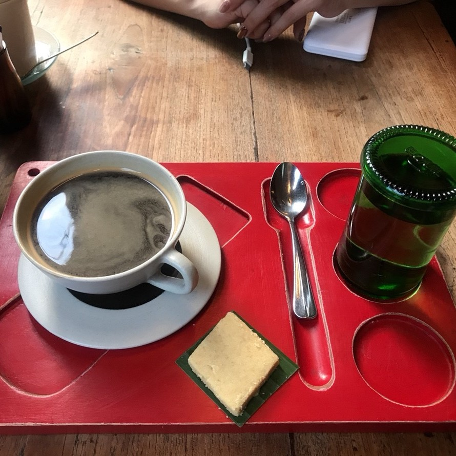 ウブド お洒落 カフェ seniman coffe studio