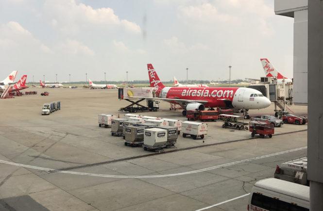 LCC エアアジア 飛行機