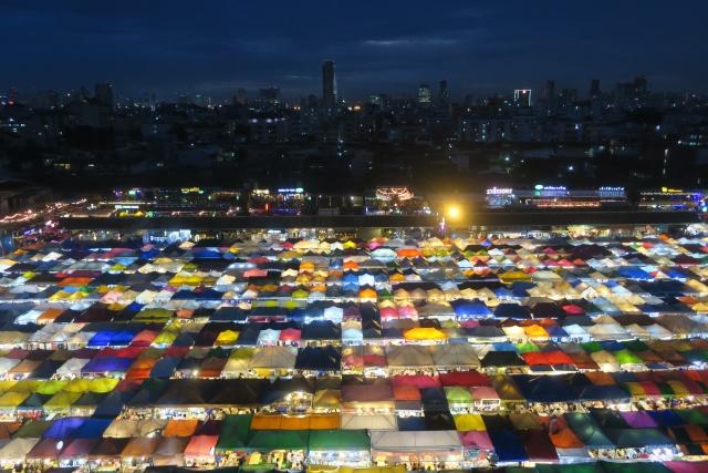 ラチャダー鉄道市場 バンコク 観光スポット おすすめ