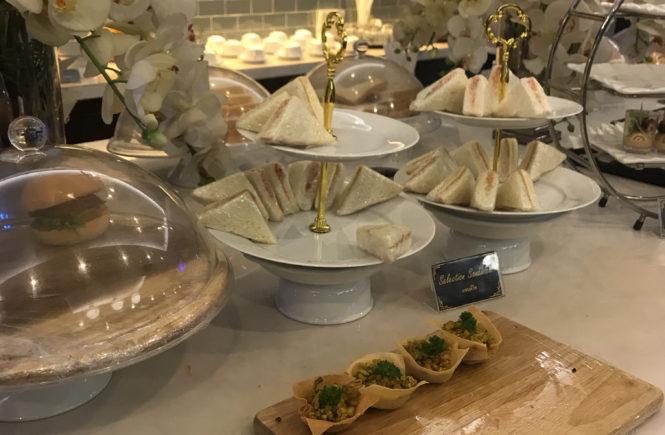 タイ ドンムアン空港 コーラルラウンジ 食事 サンドウィッチ