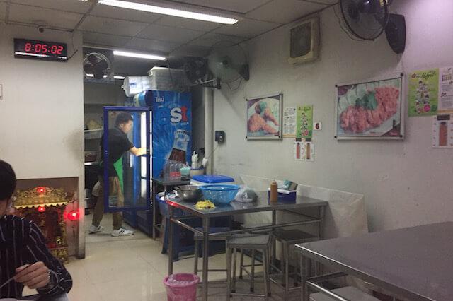 バンコク カオマンガイ ギンヘン 店内2