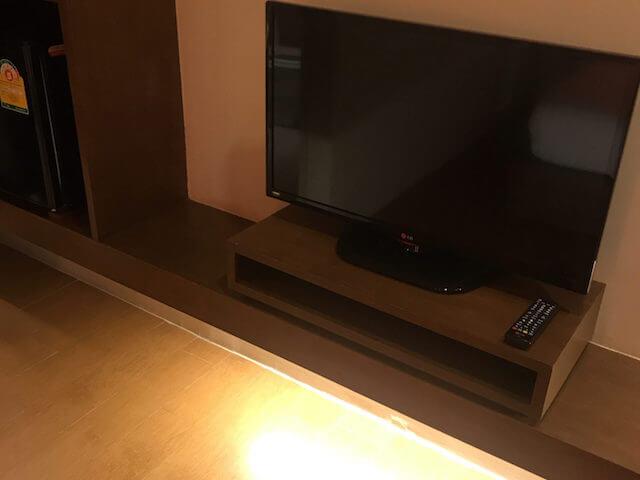バンコク格安ホテル シーロムワン テレビ