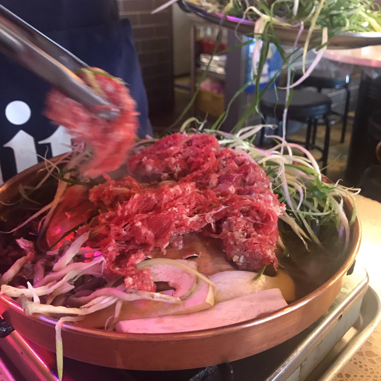 ホンデ グルメ 人気 サンドミプルコギ 肉2