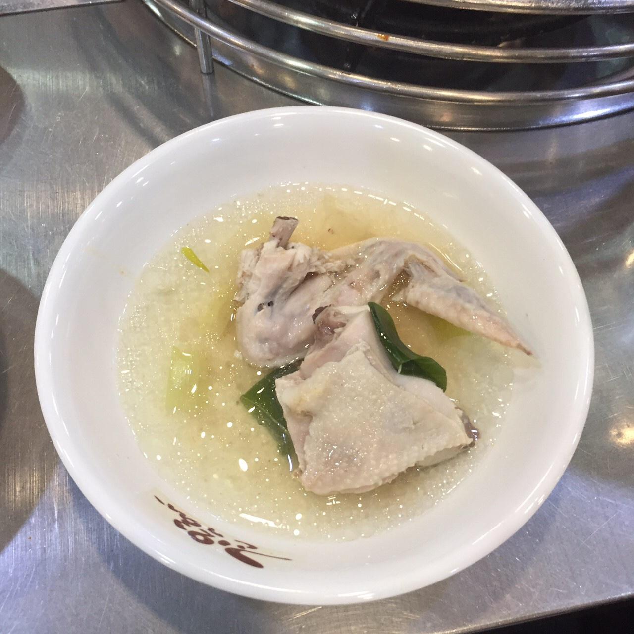 東大門チンハルメタッカンマリ 鶏白湯