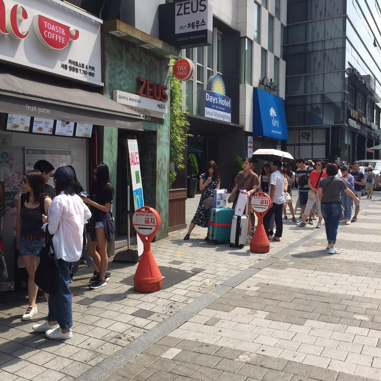 韓国 トースト 明洞駅前の行列