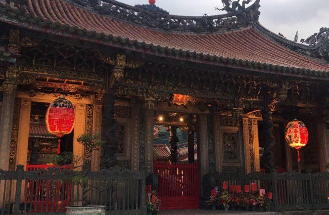 台湾 龍山寺 パワースポット