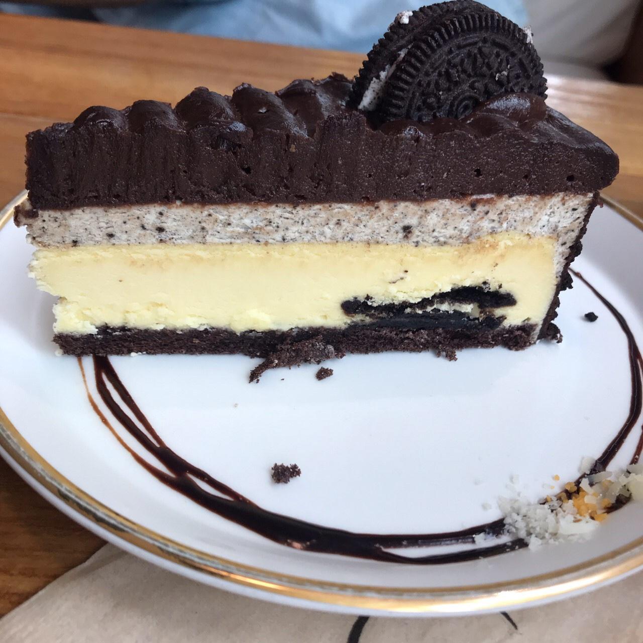 ホンデ カフェ おすすめ オレオ チーズケーキ