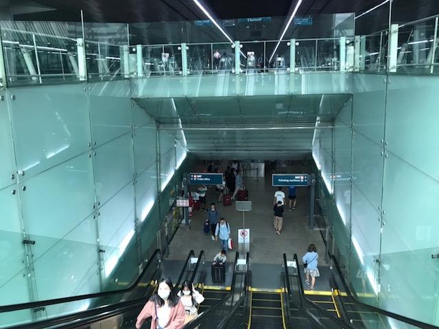 シンガポール チャンギ空港 地下鉄 乗り場