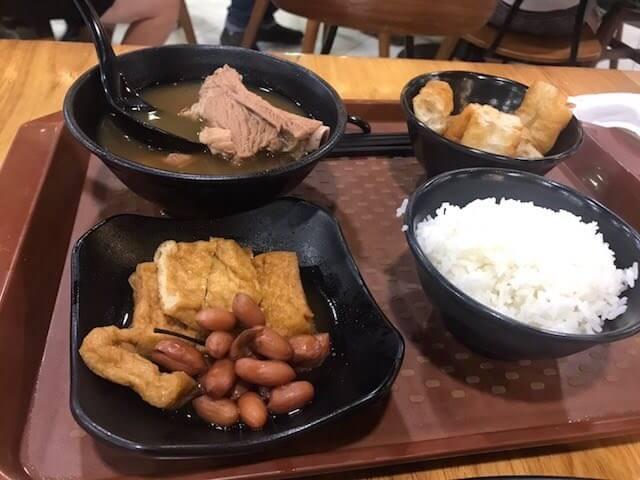 黄亜細肉骨茶餐室 マリーナベイサンズ